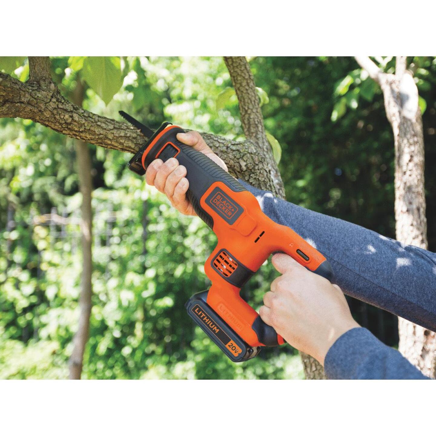 Black & Decker 20 Volt MAX Lithium-Ion Cordless Reciprocating Saw Kit Image 2