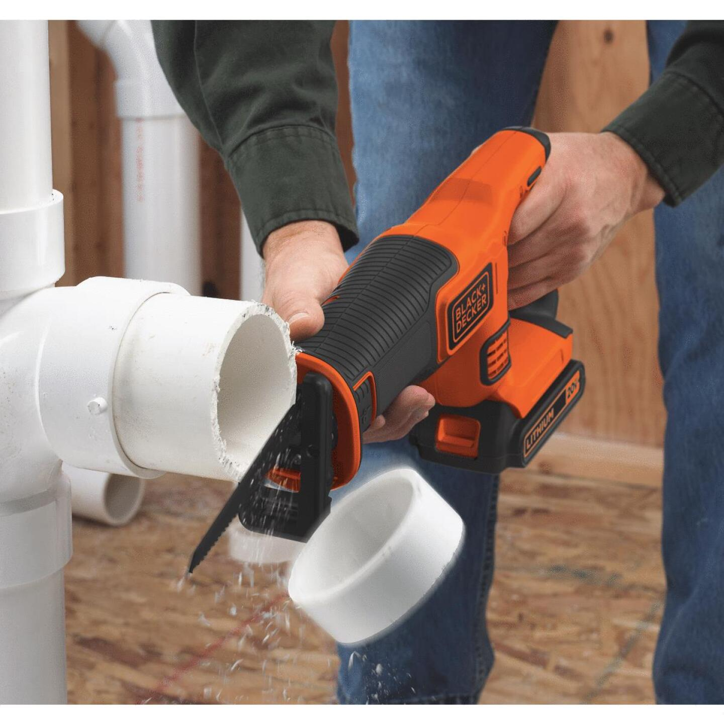 Black & Decker 20 Volt MAX Lithium-Ion Cordless Reciprocating Saw Kit Image 3